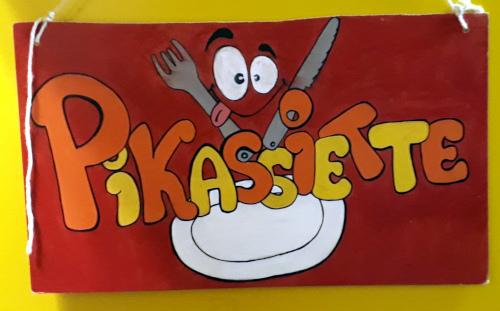 Panneau de la salle Pikassiette